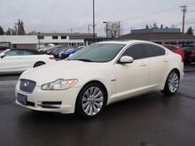 2009_Jaguar_XF_Luxury_ Salem OR