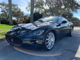 2009_Maserati_GranTurismo_Base_ Hollywood FL