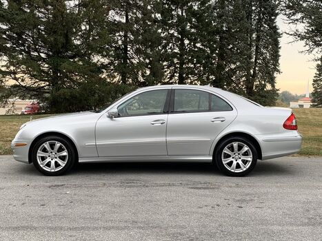 2009_Mercedes-Benz_E 350 4MATIC_Luxury 3.5L_ West Chester PA