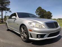 2009_Mercedes-Benz_S-Class_4d Sedan S63_ Outer Banks NC