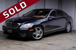 2009_Mercedes-Benz_S-Class_5.5L V8 4MATIC_ Akron OH