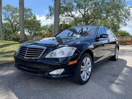2009_Mercedes-Benz_S-Class_S 550 4MATIC Sedan 4D_ Hollywood FL