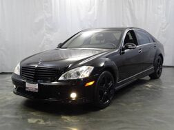 2009_Mercedes-Benz_S-Class_S550 / 5.5L V8 Engine / 4matic AWD / Sport Package / Sunroof / Navigation / Parking Aid with Rear View Camera / Heated Leather Seats / Harman Kardon Sound System_ Addison IL