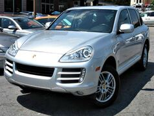 Porsche Cayenne ** ALL WHEEL DRIVE ** - w/ LEATHER SEATS & SUNROOF 2009