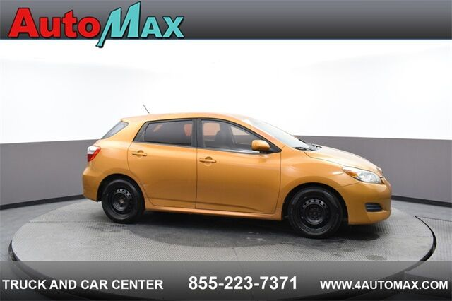 2009 Toyota Matrix Base FWD