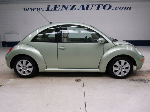2009_Volkswagen_Beetle_FWD S_ Fond du Lac WI