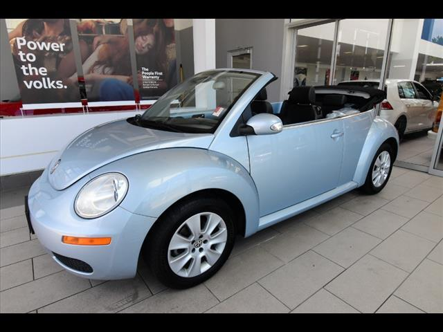 2009 Volkswagen New Beetle 2DR AUTO CNV Brookfield WI