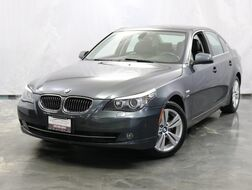 2010_BMW_5 Series_528i xDrive / 3.0L 6-Cyl Engine / AWD xDrive / Sunroof / Navigation / Bluetooth / Heated Seats + Steering Wheel_ Addison IL
