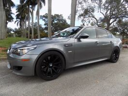 2010_BMW_M5__ Hollywood FL