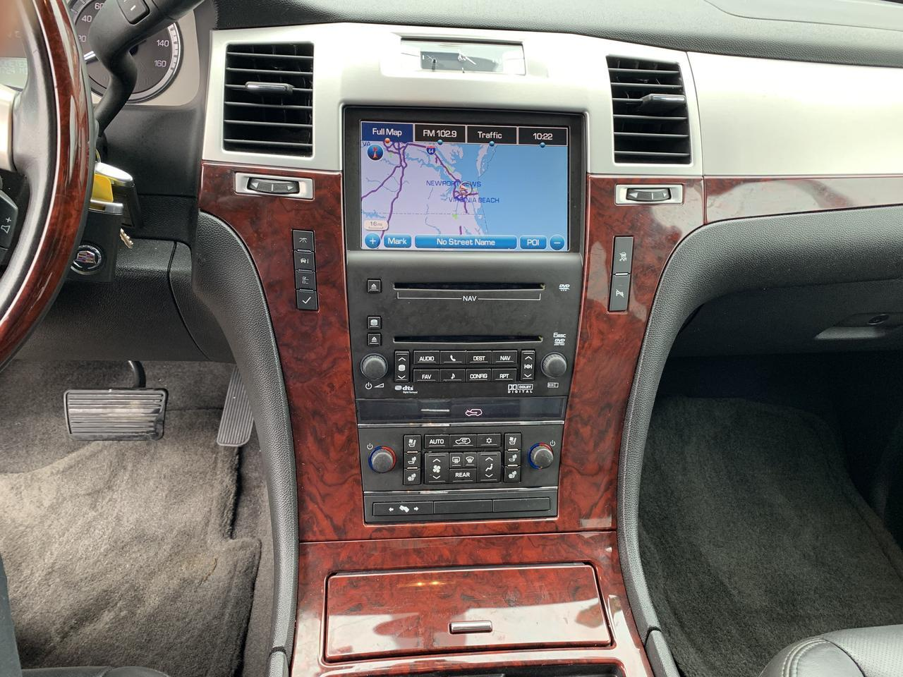 2010 CADILLAC ESCALADE LUXURY, WARRANTY, LEATHER, SUNROOF, DVD PLAYER, 3RD ROW, NAV, FULLY LOADED, 1 OWNER! Norfolk VA