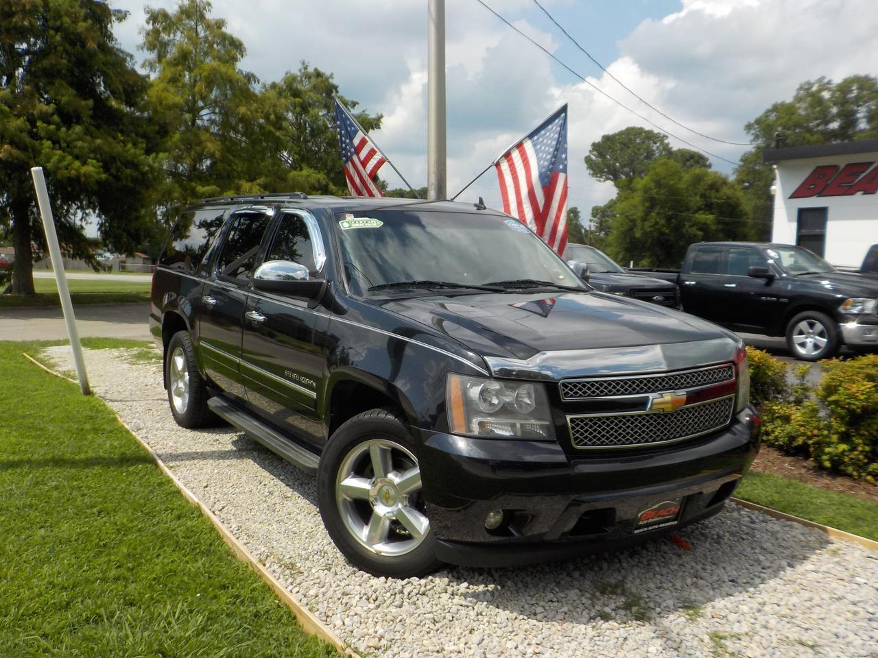 2010 Chevrolet Suburban Ltz 4x4 Warranty Leather Nav Backup Cam Parking Sensors Sirius Radio Heated Cooled Seats