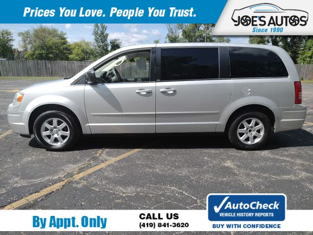 2010 CHRYSLER TOWN & COUNTRY LX Toledo OH