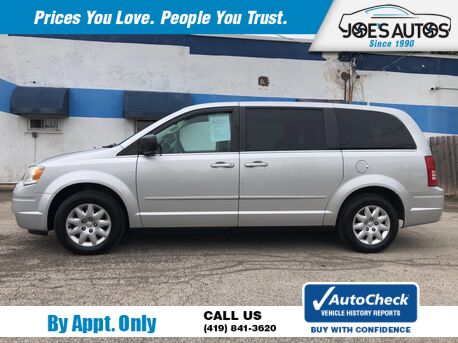 2010_CHRYSLER_TOWN & COUNTRY_LX_ Toledo OH