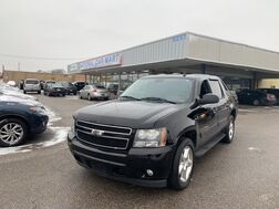 2010_Chevrolet_Avalanche Crew Cab_LT 4WD_ Cleveland OH