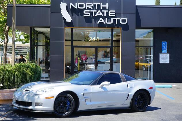 2010_Chevrolet_Corvette_ZR1 w/3ZR_ Walnut Creek CA