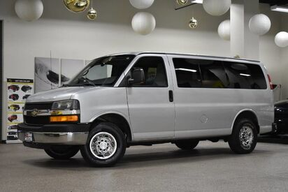 2010_Chevrolet_Express G2500_LT_ Boston MA