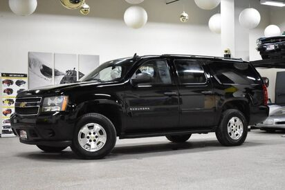2010_Chevrolet_Suburban_LS_ Boston MA