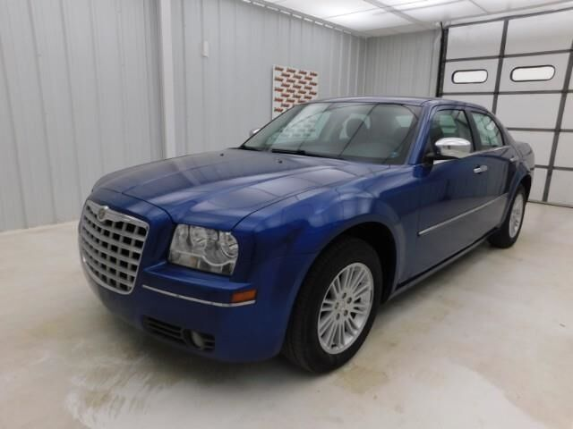 2010 Chrysler 300 4dr Sdn Touring RWD Manhattan KS