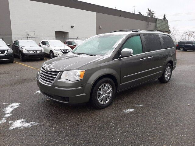 2010 Chrysler Town & Country LIMITED | STOW N GO | LEATHER Calgary AB