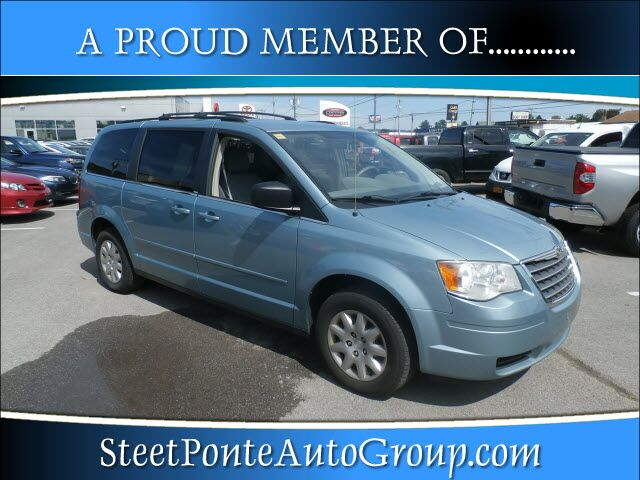 2010 Chrysler Town & Country LX Yorkville NY