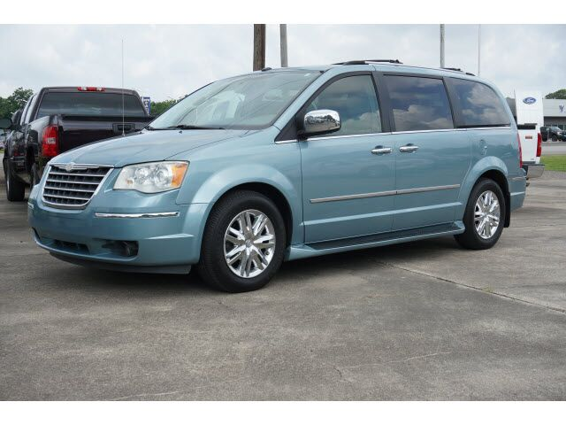 2010 Chrysler Town & Country Limited Richwood TX