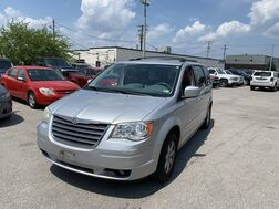 2010_Chrysler_Town & Country_Touring_ Cleveland OH