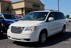 2010_Chrysler_Town & Country_Touring_ Fort Wayne Auburn and Kendallville IN