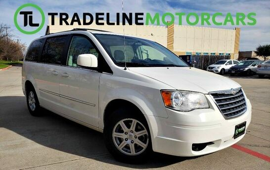 2010 Chrysler Town & Country Touring Plus REAR VIEW CAMERA, HEATED SEATS, LEATHER, AND MUCH MORE!!! CARROLLTON TX