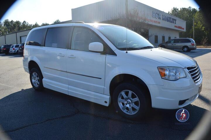2010 Chrysler Town & Country Touring Wheelchair Van Conyers GA