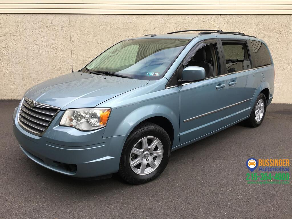 2010 Chrysler Town & Country Touring w/ Navigation & Rear DVD Feasterville PA