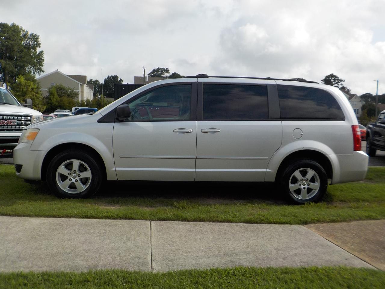 2010 DODGE GRAND CARAVAN SE, FRONT & REAR A/C, ROOF RACKS, CAPTAINS CHAIRS, REAR AIRBAGS, AUX PORT, 3RD ROW, CRUISE CONTROL! Virginia Beach VA