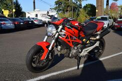 2010_Ducati_Monster_696_ McMinnville OR
