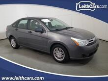 2010_Ford_Focus_SE_ Cary NC