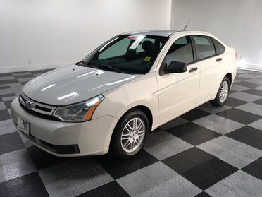 2010_Ford_Focus_SE_ Chattanooga TN