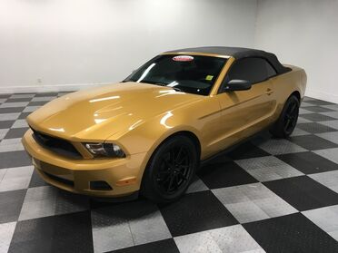 2010_Ford_Mustang_V6_ Chattanooga TN