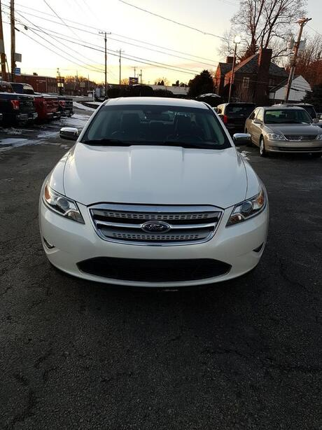 2010 Ford Taurus Limited North Versailles PA