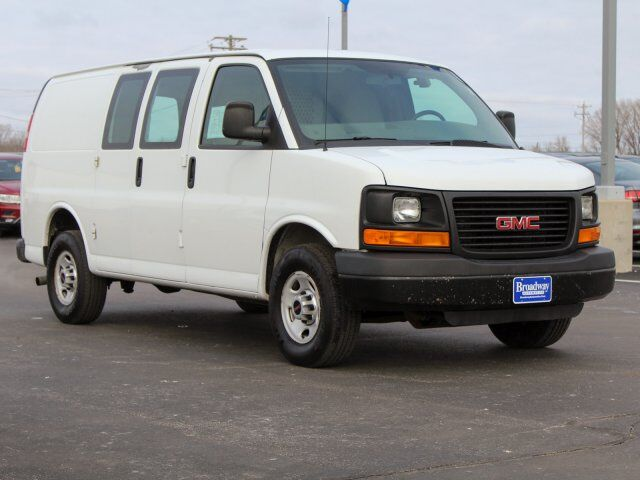 2010 GMC Savana Cargo Van Green Bay WI
