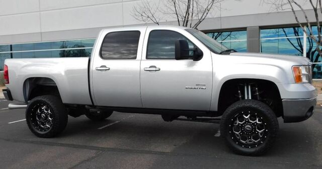 2010 GMC Sierra 2500HD SLT Z71 4x4 LOADED LIFTED DURAMAX DIESEL ON 20s X-LENT COND THROUGHOUT Phoenix AZ