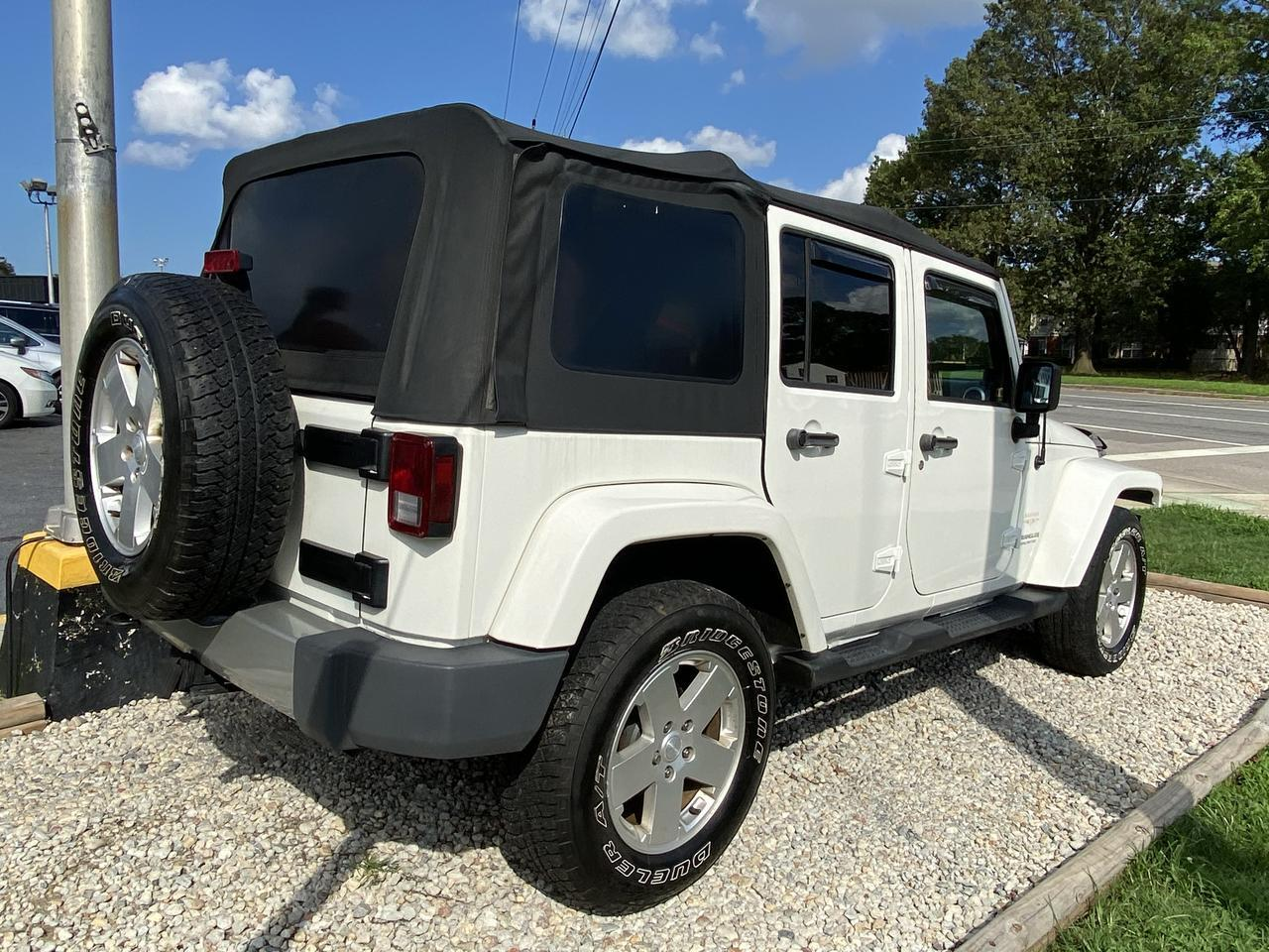2010 JEEP WRANGLER UNLIMITED SAHARA 4X4, WARRANTY, LIFTED, SOFT TOP, RUNNING BOARDS, TOW PKG, SIRIUS RADIO! Norfolk VA
