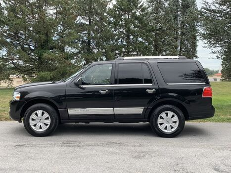 2010_Lincoln_Navigator 4WD__ West Chester PA