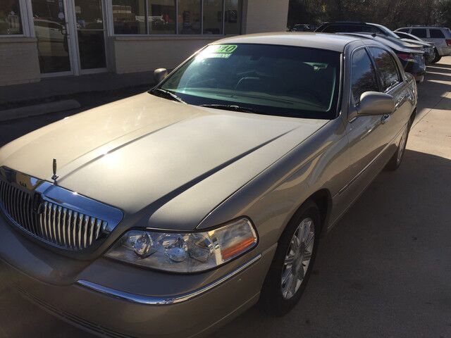 2010 Lincoln Town Car Signature Limited Gainesville TX
