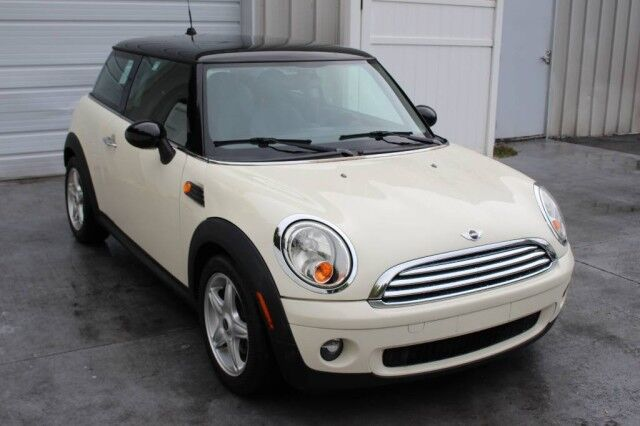 2010 MINI Cooper Hardtop Automatic 37 mpg Knoxville TN