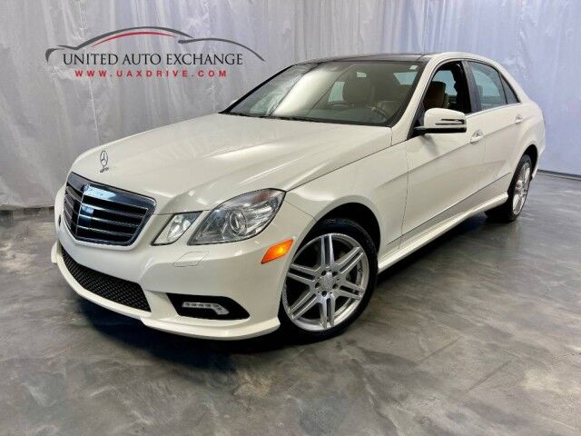 2010 Mercedes-Benz E-Class E 550 Sport / 5.5L V8 Engine / AWD 4Matic / Panoramic Sunroof / Navigation / Rear View Camera / Rear Entertainment / Harman Kardon Sound System Addison IL