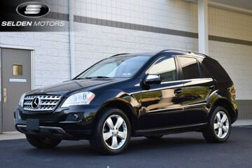 2010_Mercedes-Benz_ML350_4Matic_ Willow Grove PA