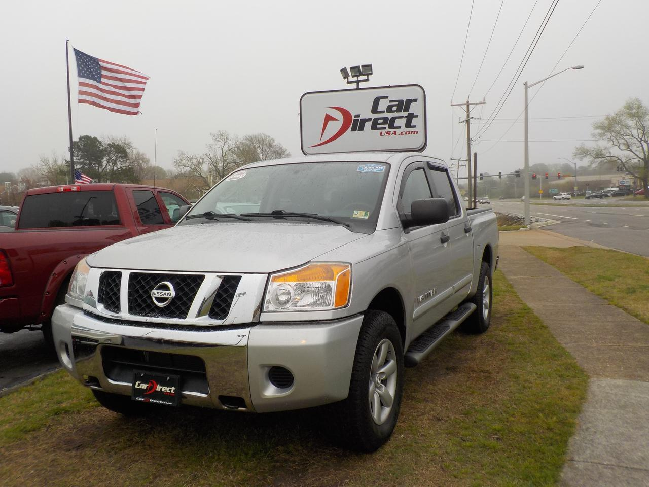 2010 NISSAN TITAN SE 4X4, WARRANTY, BED LINER, RUNNING BOARDS, TOW PACKAGE, GREAT TRUCK FOR WORK OR PLAY!