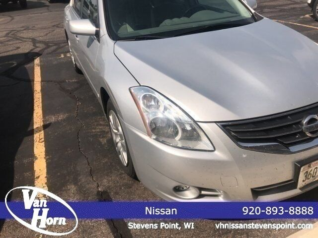 2010 Nissan Altima 2.5 S Plymouth WI