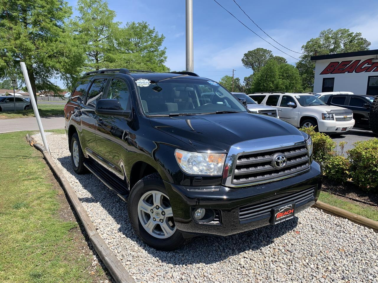2010 TOYOTA SEQUOIA SR5 4X4, WARRANTY, AUX/USB PORT, 3RD ROW, SUNROOF, PARKING SENSORS, RUNNING BOARDS, TOW PKG,1 OWNER! Norfolk VA