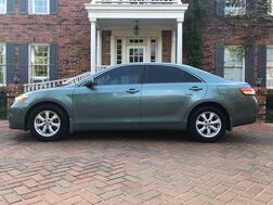 2010_Toyota_Camry_XLE 1-owner IMMACULATE CONDITION BEST RIDE AND DRIVE MUST C!_ Arlington TX