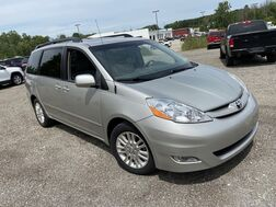 2010_Toyota_Sienna_XLE_ Cleveland OH