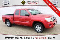 2010_Toyota_Tacoma_Base_ Milwaukee WI